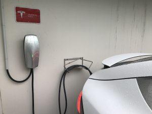 Chargeur Tesla pour 65 km/hr (232v - 24 A)